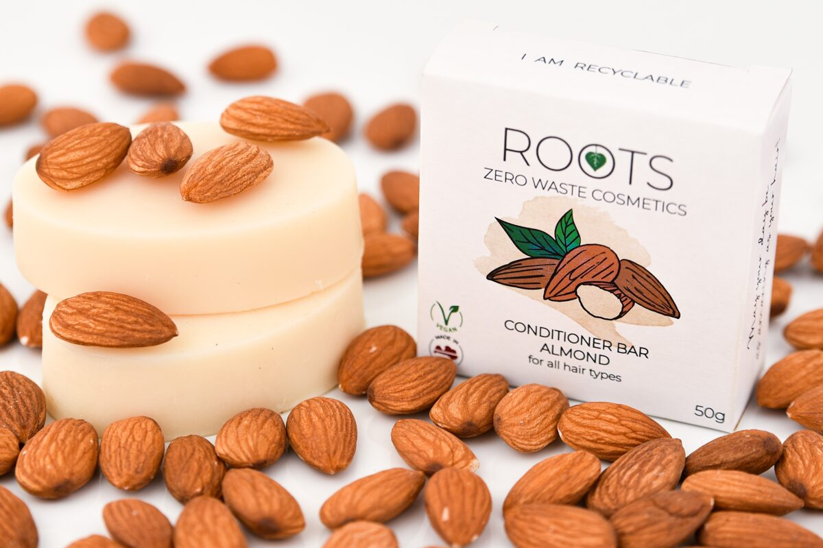ROOTS Zero Waste Cosmetics cietais kondicionieris